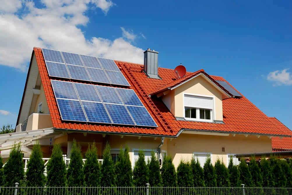 Солнечные батареи – отличное решение для нашего солнечного города: экономично, экологично и эстетично